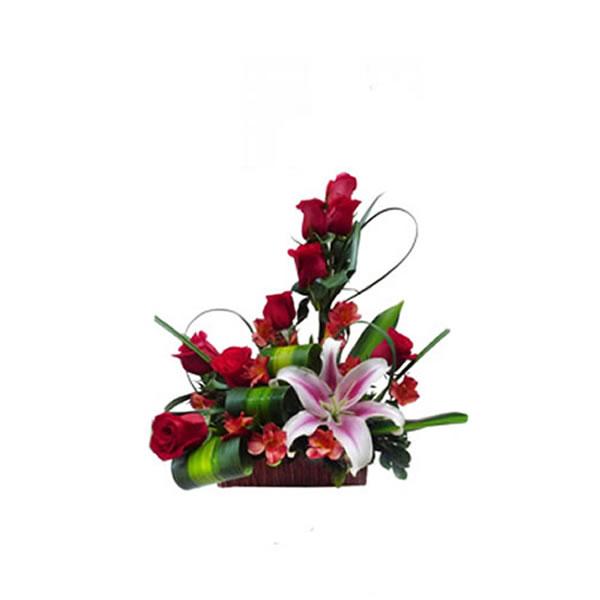 Arreglo Floral Rosas Y Lilium Regalos Para El Dia Del
