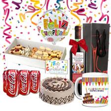 regalos, cumpleaños, cumpleañero, bocaditos, vino personalizado, taza personalizada, torta, globos happy birthday.