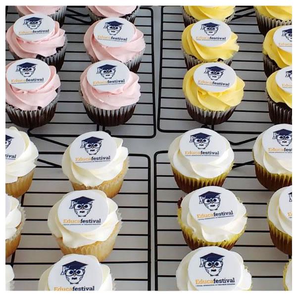 Mini cupcakes corporativos, Mini cupcakes empresariales, Mini cupcakes con logo, cupcakes con masa fondang, frosting, lima peru